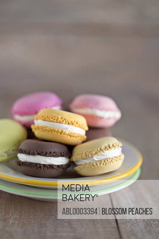 Macaroons with Cream Filling