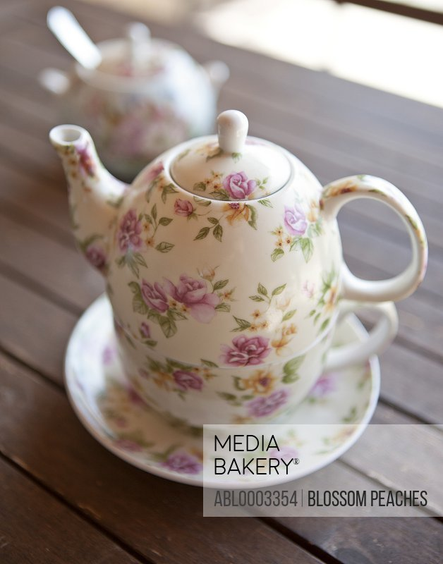 Flower Pattern Porcelain Teapot, Close-up View