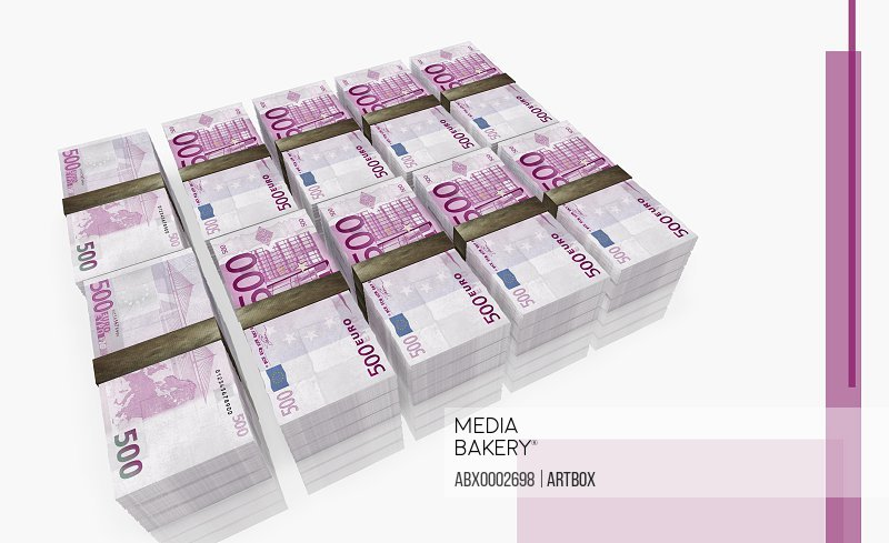 Five bundles of five hundred Euro bank notes