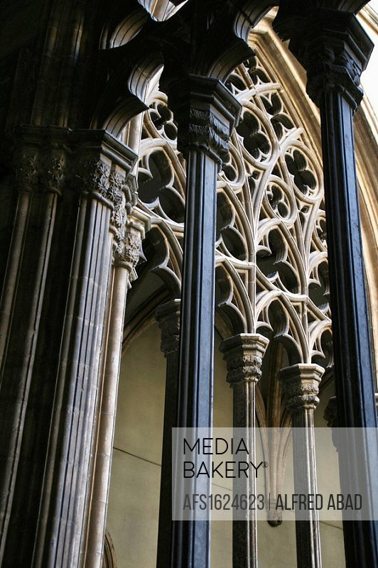 Detail, cloister of St Peter´s cathedral, Vic. Barcelona province, Catalonia, Spain