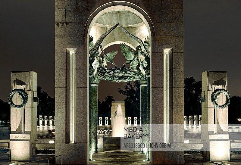 The World War II Memorial, National Mall, Washington DC, USA.