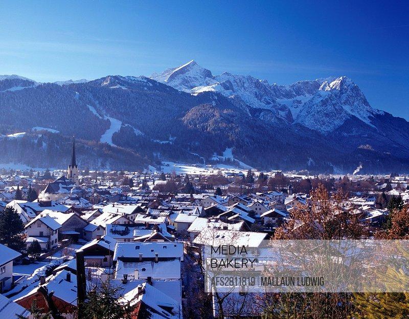 Germany, Europe, Bavaria, Werdenfels area, Garmisch, Garmisch_Partenkirchen, alpspitze, Zugspitze, tourism, tourism, vacation, winter, snow, blue, whi...