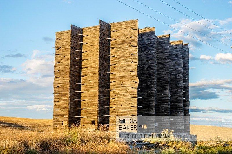 dilapedated grain elevator, Palouse, WA.