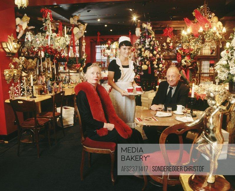 10651662, decoration, adornment, specialist shop, women, business, trade, trade, commerce, Johann Wanner, store, loading, mode