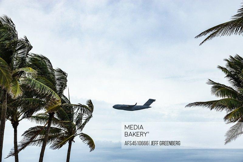 Florida, Miami Beach, National Salute to America's Heroes Air & Sea Show, military transport aircraft Boeing C-17 Globemaster III,