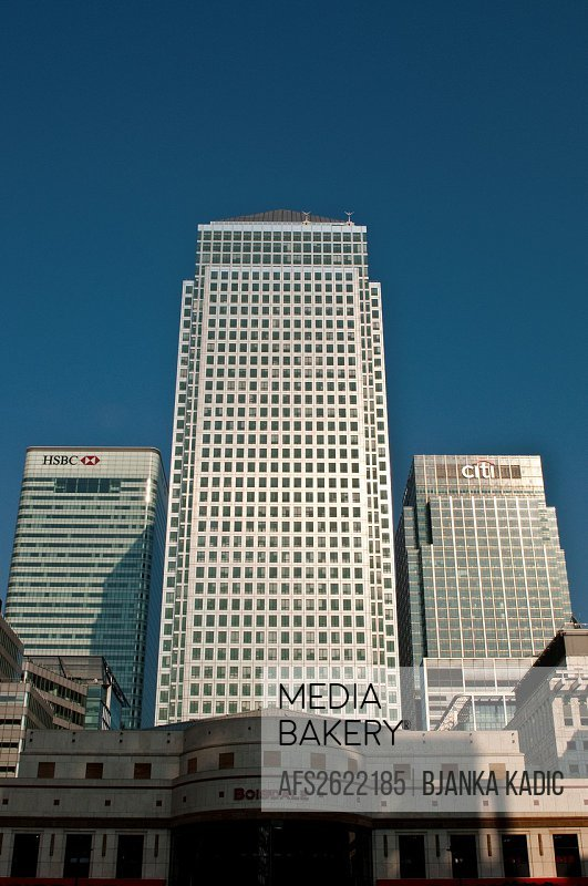 Mediabakery - Photo by Age Fotostock - One Canada Square