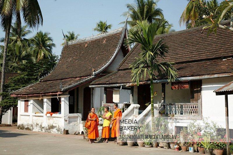 Laos, Asia, Luang Prabang, Wat Si Bun Heuang, Monks, Temple, Religion, Buddhism