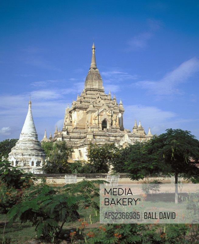 10282305, Bagan, trees, Burma, Asia, garden, Gawdawpalin temple, domes, ornate,