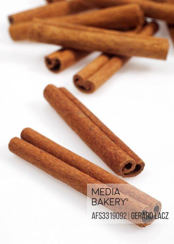 Cinnamon Bark, cinnamomum zeylanicum.
