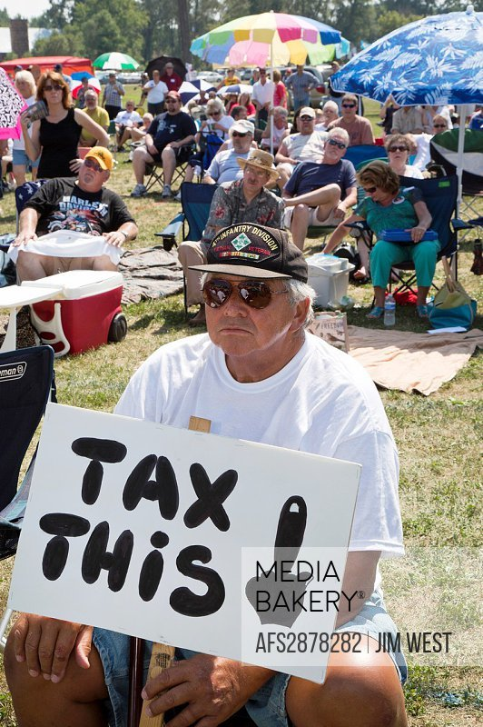 Belleville, Michigan - A ´Patriots in the Park´ rally, organized by the Tea Party and Americans for Prosperity