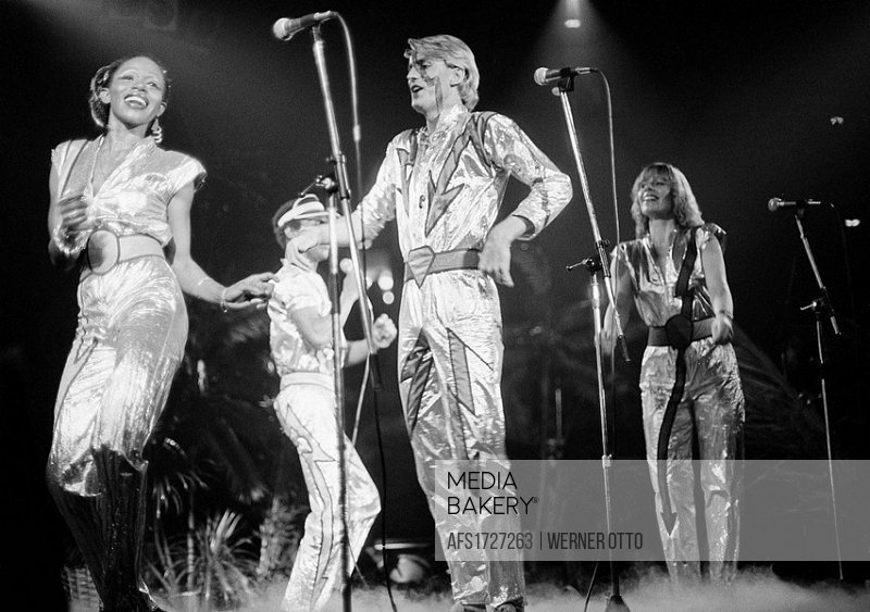 Seventies, black and white photo, cultural event 1979 in the Westphalia Hall in Dortmund, Bild Disco, discotheque organized by the Bild Zeitung, the p...