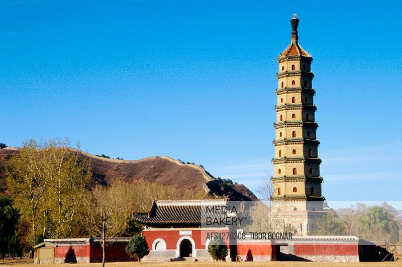 Yongyou Si Ta (Permanent Blessing Temple), Chengde. Hebei, China