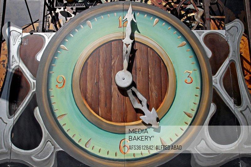 Plasterboard clock, decorative clock