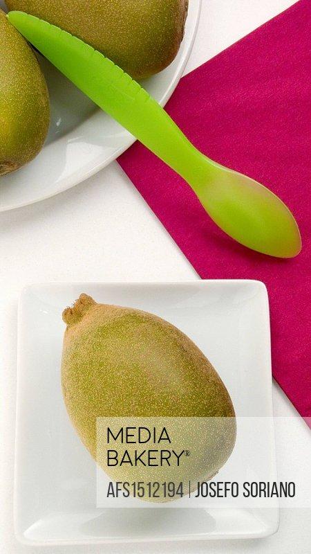Kiwi and cutlery