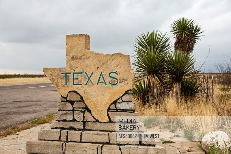 Pine Springs, Texas - A sign on US Highway 180/62 welcomes travelers from New Mexico to Texas.