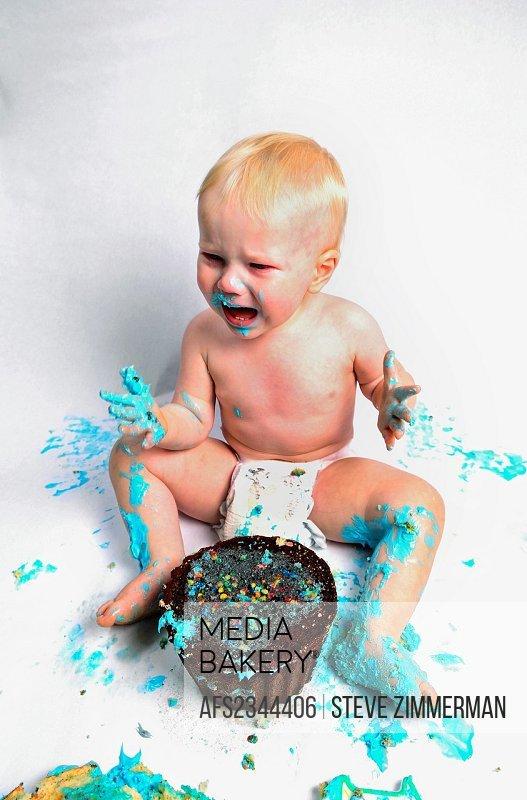Boy and Cake3