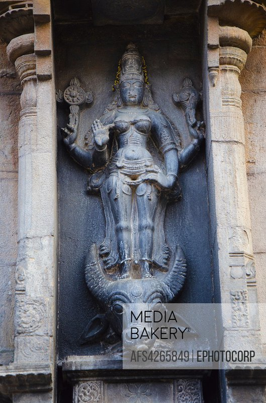 Mediabakery - Photo by Age Fotostock - Carved stone idol of