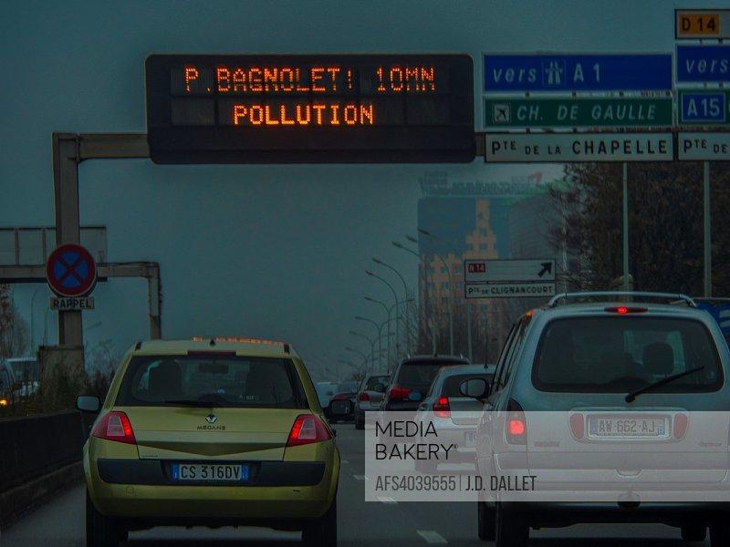 France. Paris. Pollution