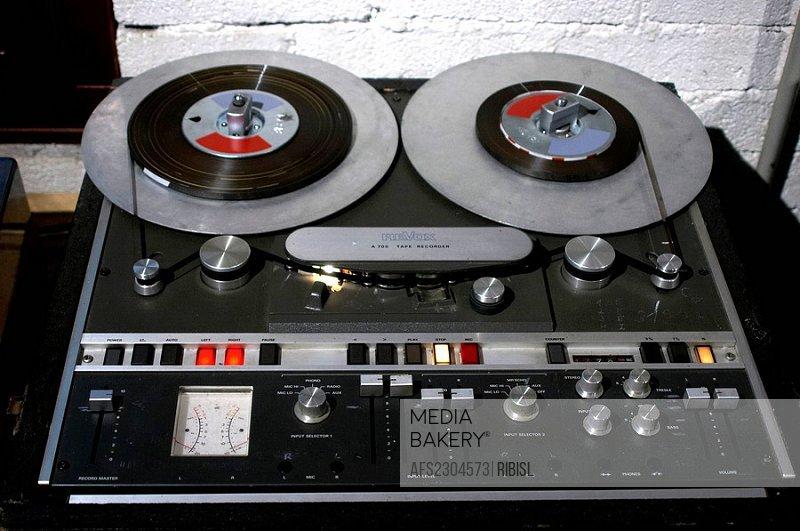 Revox A 700 tape recorder 2 track