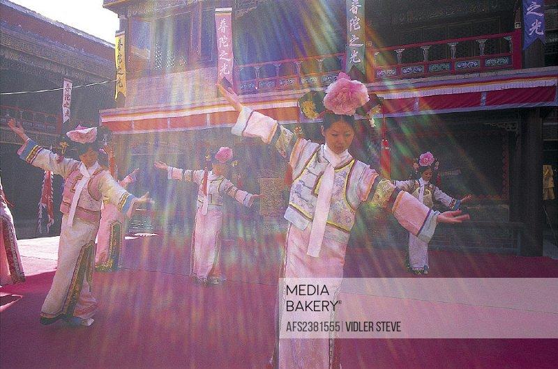 Asia, Chengde, China, Costume, Dancers, Danci, Dancing, Doctrine, Dynasty, Girls, Hebei, Heritage, Holiday, Landmark, Perfromanc