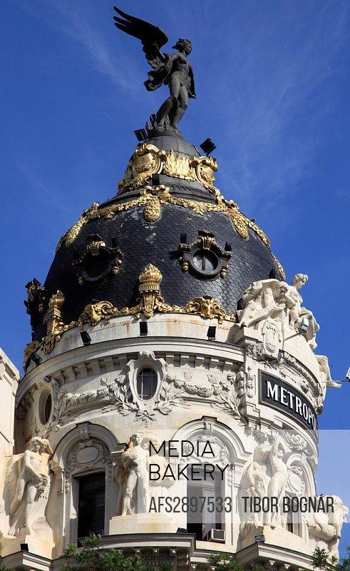 Spain, Madrid, Calle Alcala, Metropolis Building,