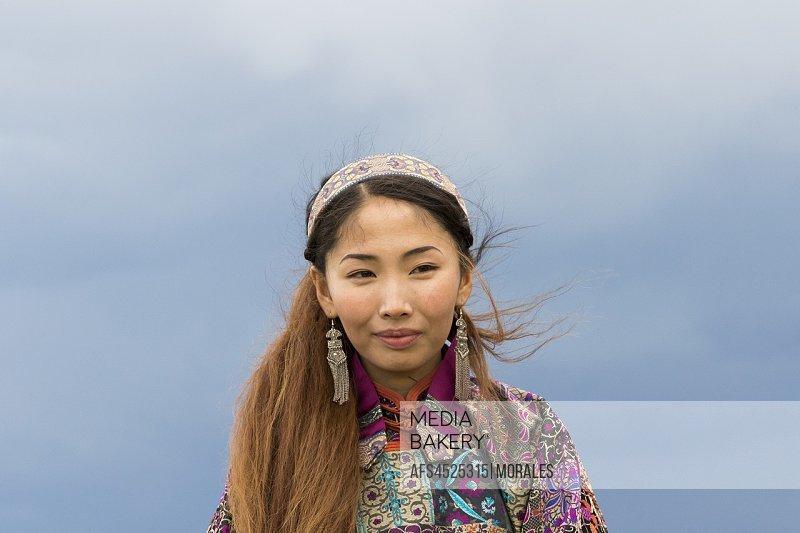 China, Inner Mongolia, Hebei Province, Zhangjiakou, Bashang Grassland, Mongolian woman