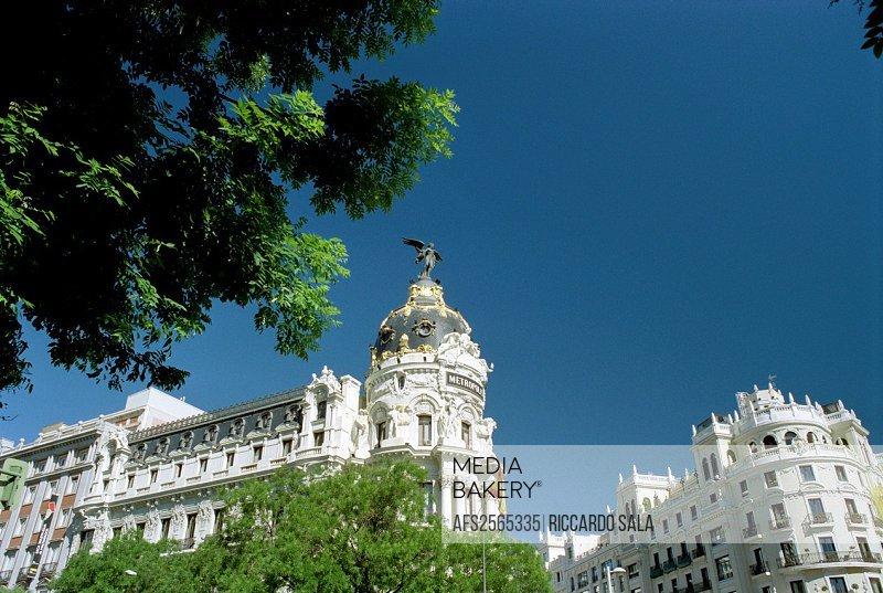 Spain, Madrid, Gran Via Avenue, Metropolis Building