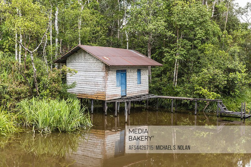 Small ranger shack on the Sekonyer River, Tanjung Puting National Park, Borneo, Indonesia.