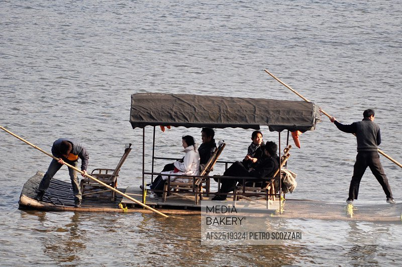 Guilin (China): boat for tourists along the Li River