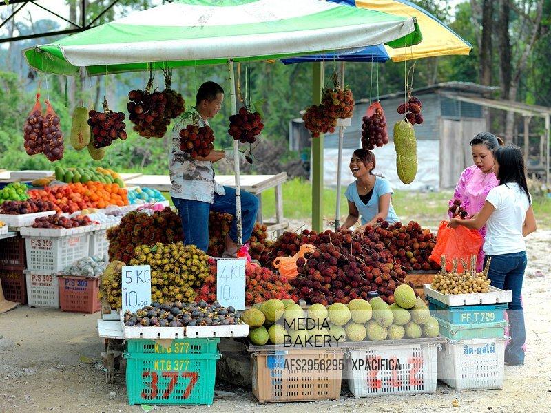A fresh produce street vendor