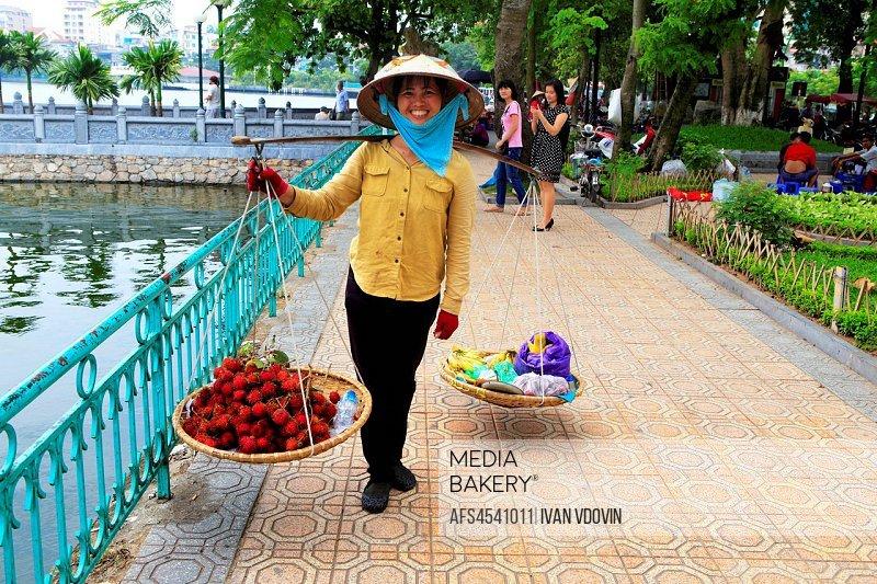 Fruit vendor, Hanoi, Vietnam