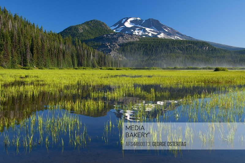 Sparks Lake to South Sister, Cascade Lakes National Scenic Byway, Deschutes National Forest, Oregon.