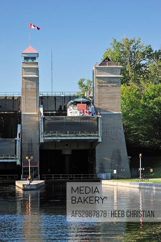 Canada, Canal, Clouds, Lift Lock, Lift, Lock, Ontario, Peterborough, Trent_Severn Waterway, waterway, summer, vertical, boat