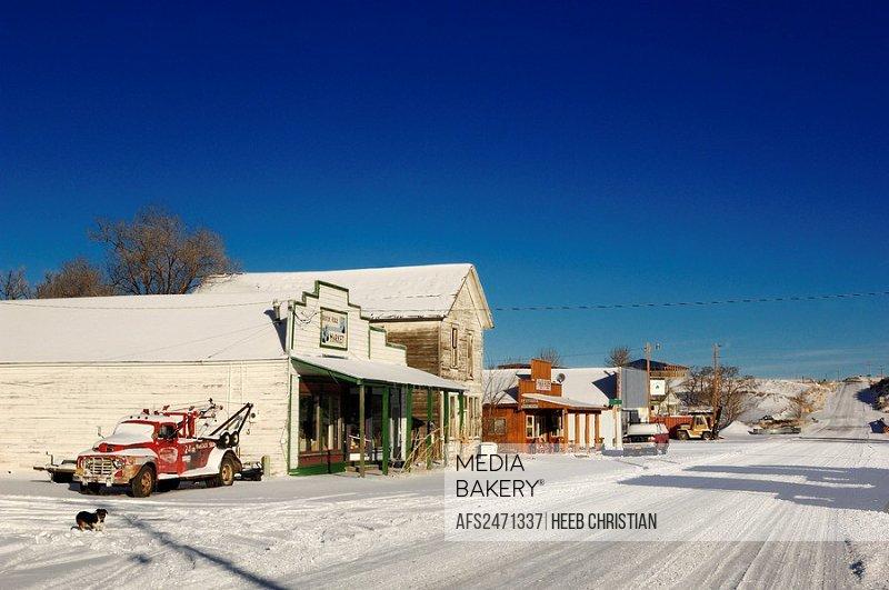 Winter Ridge Market, snow covered road, winter, Paisley, Oregon, USA