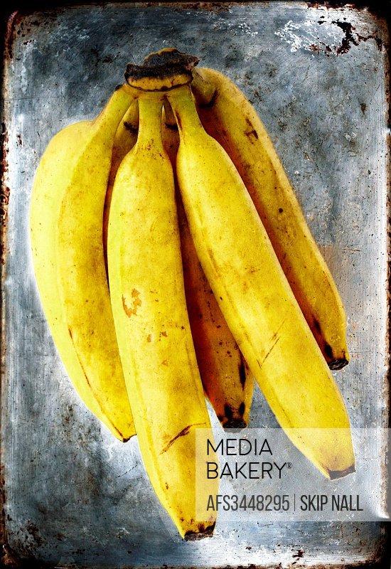 A fresh bunch of bananas.