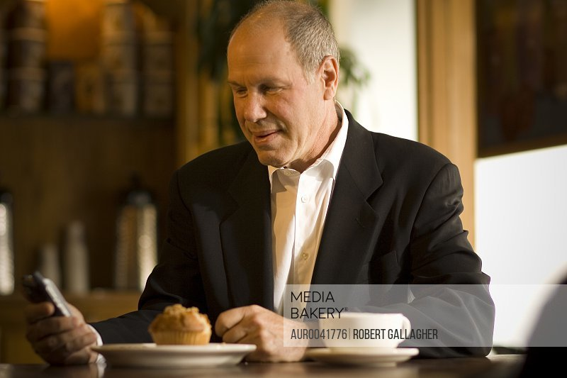 Michael Eisner, photographed at a coffee shop in Beverly Hills, watches material online by 'Vuguru'  his new web- based video production company, April 16 2007. The studio's first project, Prom Queen, will consist of 90-second shorts in 80 episodes to be distributed online, beginning in April 2007.<br><br><span style='color: red'>Editorial Use Only.</span><br><br>