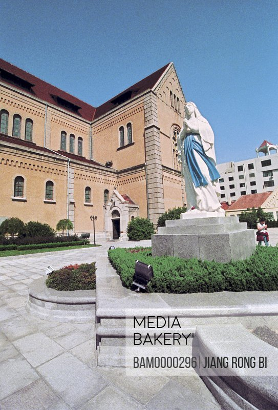 Photo of Goddess in front of the Papistry Cathedral, Qingdao City, Shandong Province of People's Republic of China