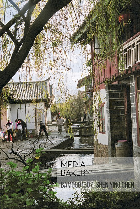 Houses by stream, Historic building of old Lijiang city, Lijiang old city, Yunnan Province of People's Republic of China