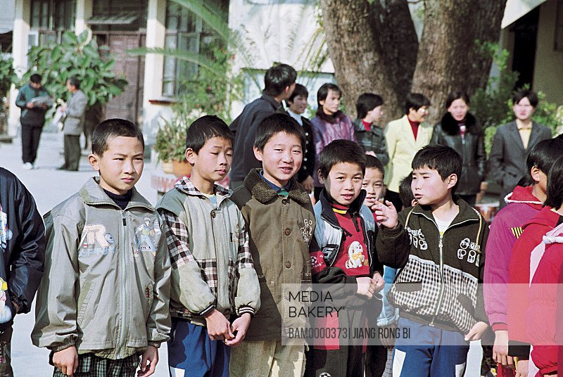 Children standing together, The student of safe central primary school welcome guests of school, Yongtai County, Fuzhou City, Fujian Province, People's Republic of China
