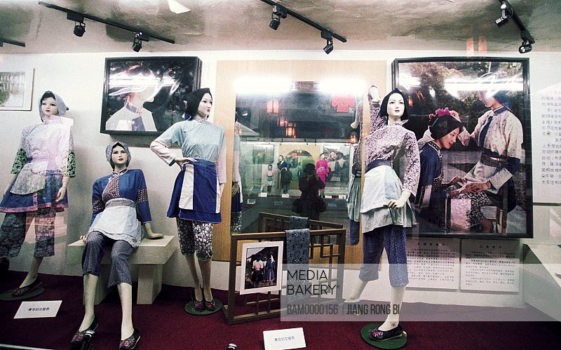 Mannequins displayed in store, The folk custom clothes show of Jiaozhi region of rivers and lakes pond, Jiaozhi Town, Kunshan City, Jiangsu Province of People's Republic of China