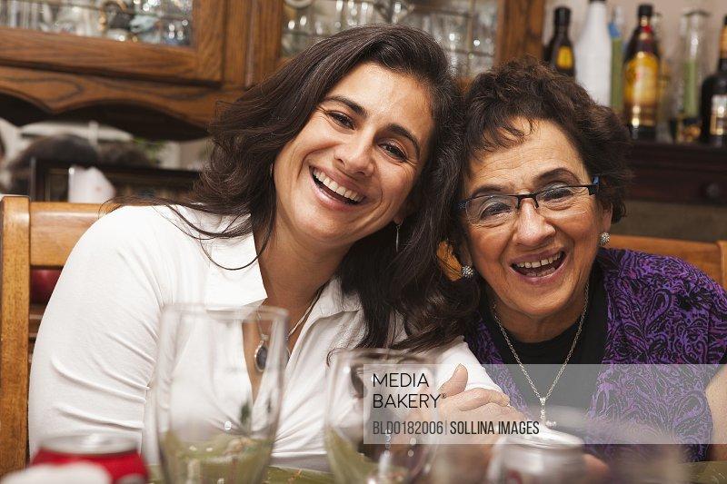 Latino mature mothers thumbnails
