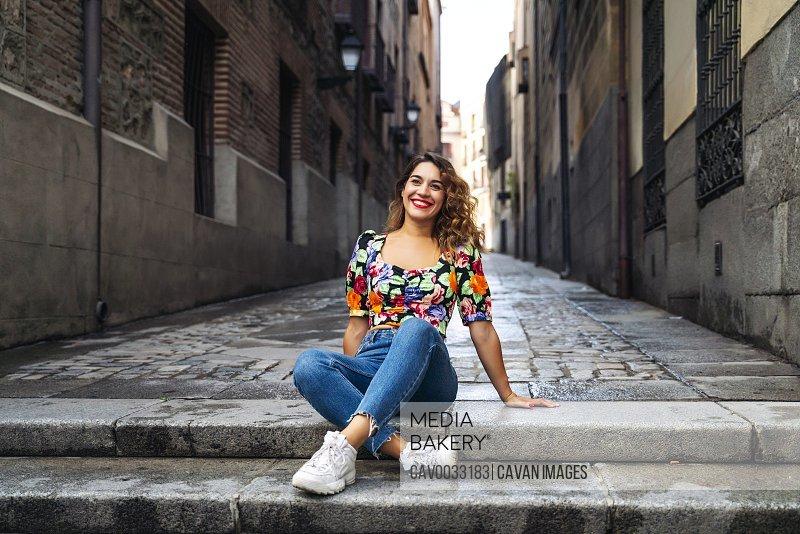 pretty woman enjoying a walk in the city