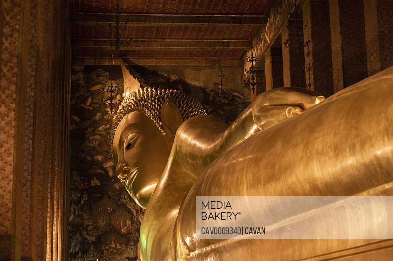 Reclining Buddha at Wat Pho (Temple of the Reclining Buddha)