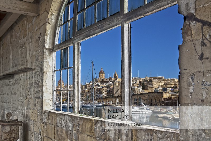 View of Vittoriosa from abandoned building