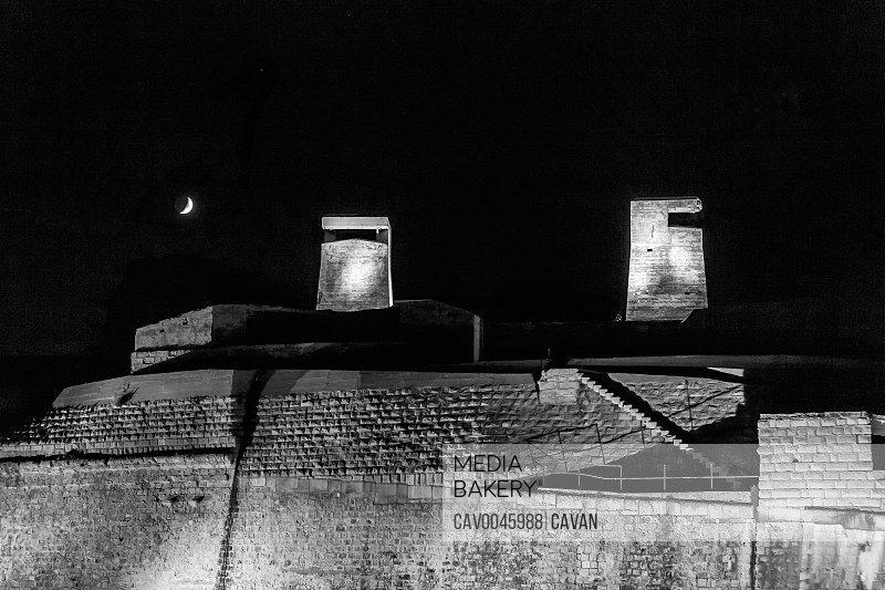 WW2 gun turrets at Fort St Elmo by Night