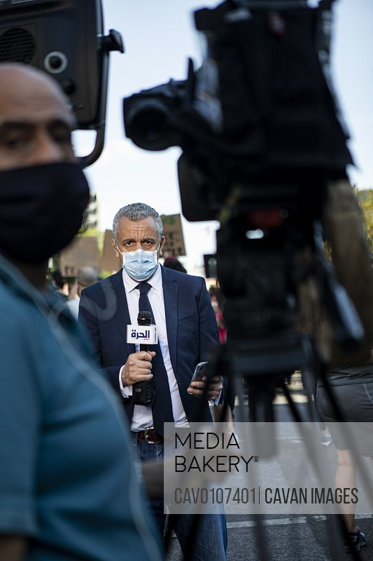 News Media broadcasting outside the White House<br><br><span style='color: red'>Editorial Use Only.</span><br><br>