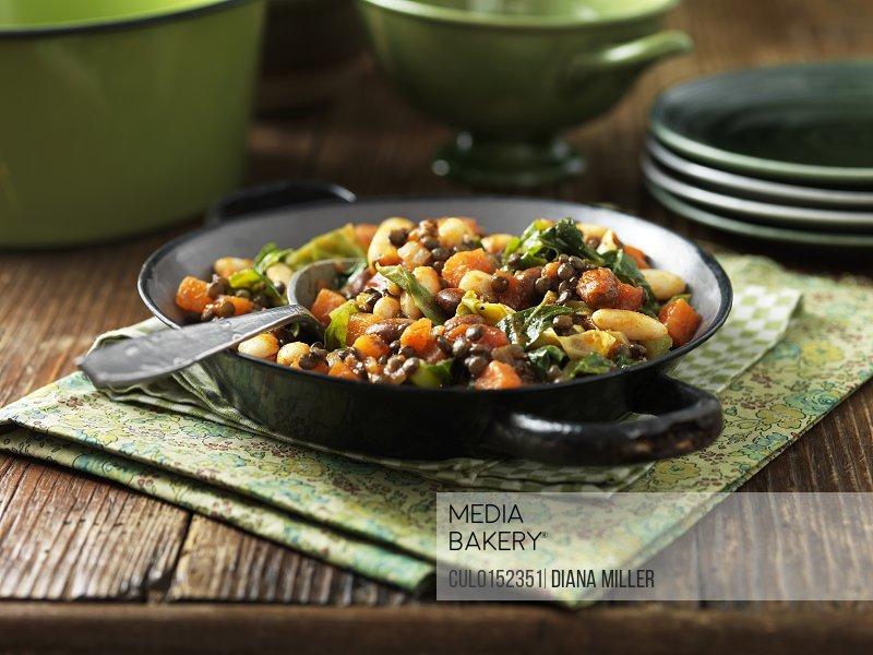 Mediterranean bean and vegetable salad