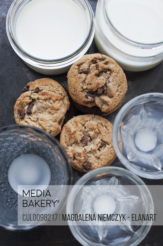 Cookies with glasses of milk