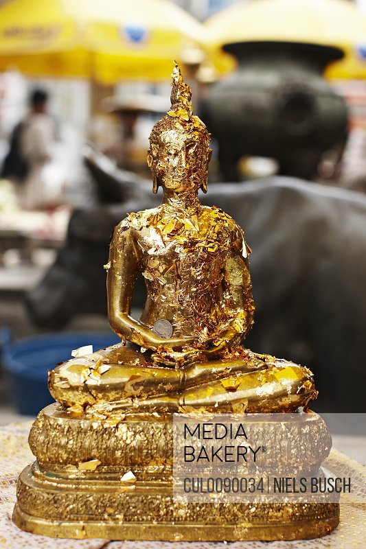 Close up of gold statue