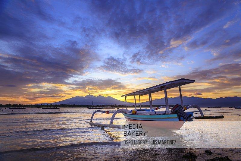 Sunrise in Gili Trawangan, an island located in between Bali and Lombok island; Gili Trawangan, Indonesia